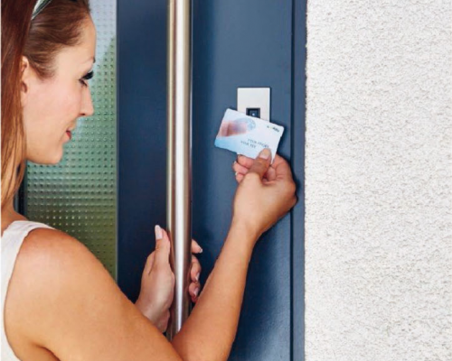 Czytnik lini papilarnych integra z funkcją RFID do bezdotykowego otwierania za pomocą karty